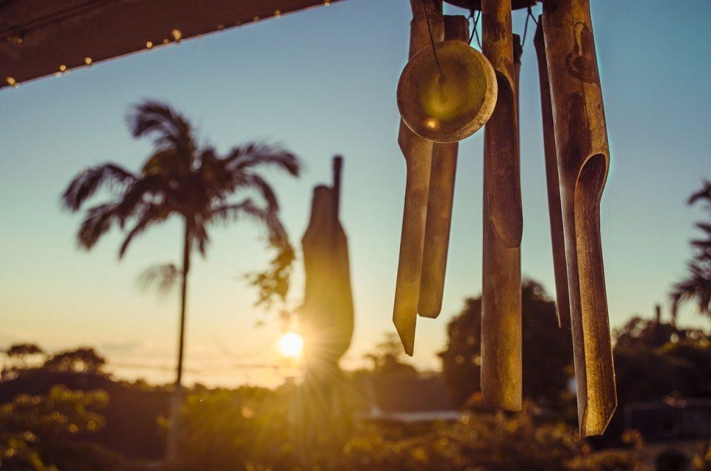 carillon-feng-shui-a-vent-coucher-soleil