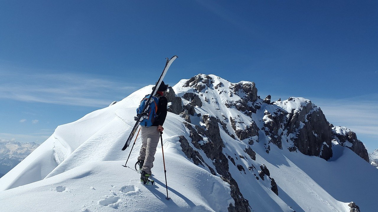 ski-backcountry-freeride